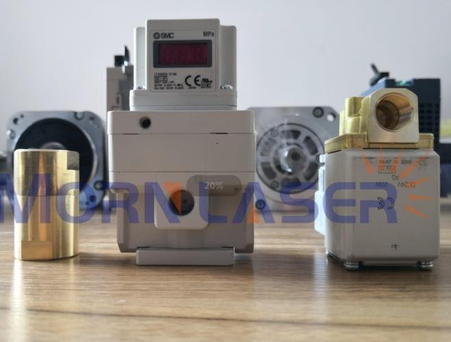 Regulator ciśnienia tlenu 2